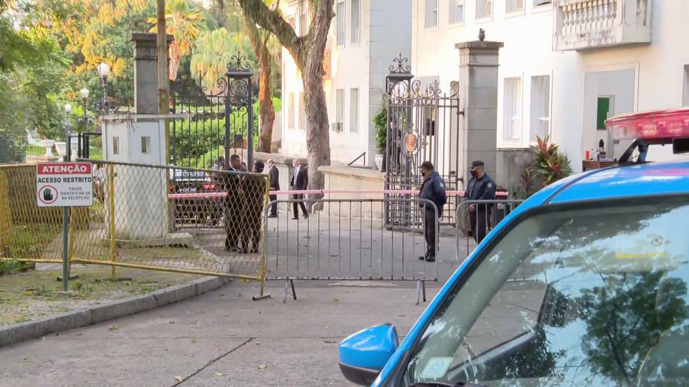 Movimentação no Palácio Laranjeiras, residência oficial do governador do RJ, nesta manhã Foto: Reprodução - 28.ago.2020 / CNN
