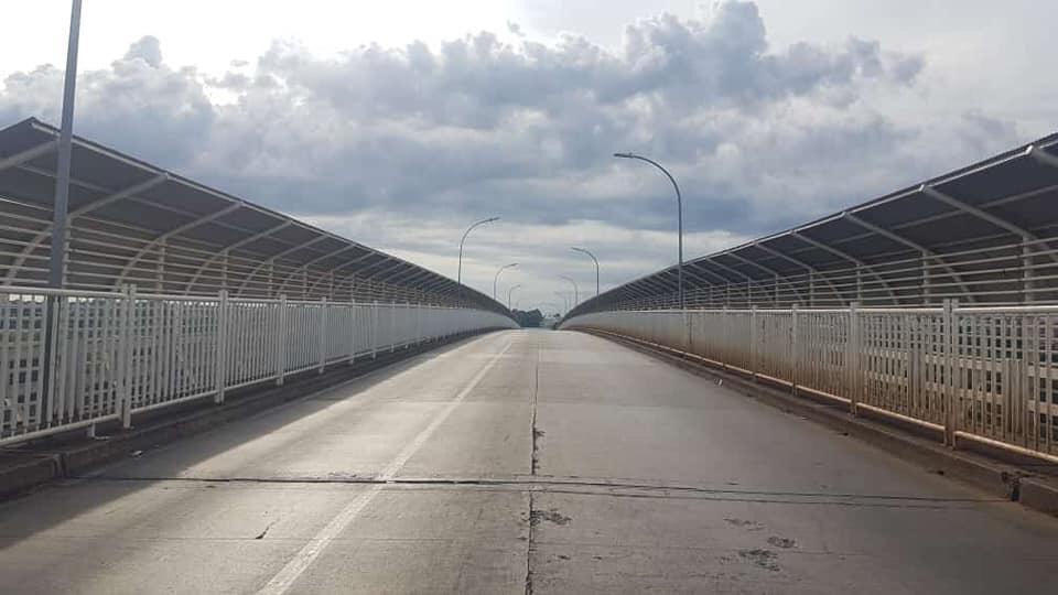 Ponte da Amizade, na fronteira entre Foz do Iguaçu e Ciudad del Este, vazia durante fechamento de fronteira Foto: Ministério da Justiça/Divulgação