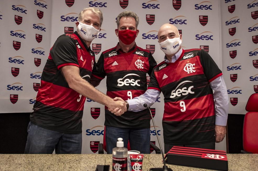 Anúncio da parceria entre time do Bernardinho e Flamengo — Foto: Marcelo Cortes/CRF