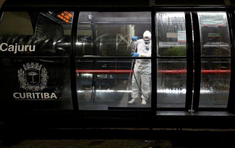 Mais de 50 pacientes graves com Covid-19 aguardam vagas em UTIs na Grande Curitiba