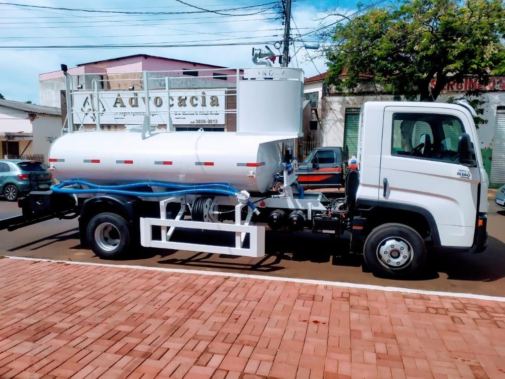 Prefeitura de Alto Piquiri adquire caminhão pipa para auxiliar na manutenção da cidade
