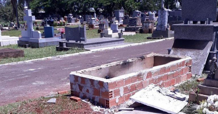 Túmulo é violado e colocado fogo durante esta madruga em Juranda