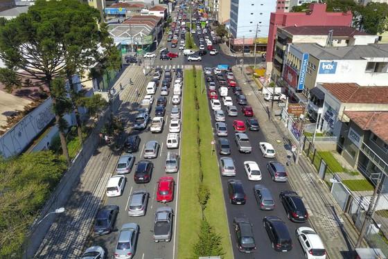 O objetivo neste momento de crise é que todos os esforços do Detran-PR, DER-PR, PMPR e PRF facilitem e viabilizem o transporte terrestre em todo o Paraná(Foto:AEN).
