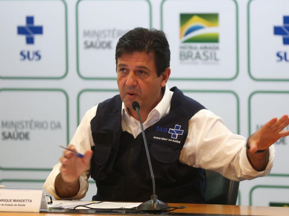 O ministro da Saúde, Luiz Henrique Mandetta,atualiza dados em coletiva de imprensa sobre à infecção pelo novo coronavírus no Brasil — Foto: Marcello Casal/ Agência Brasil
